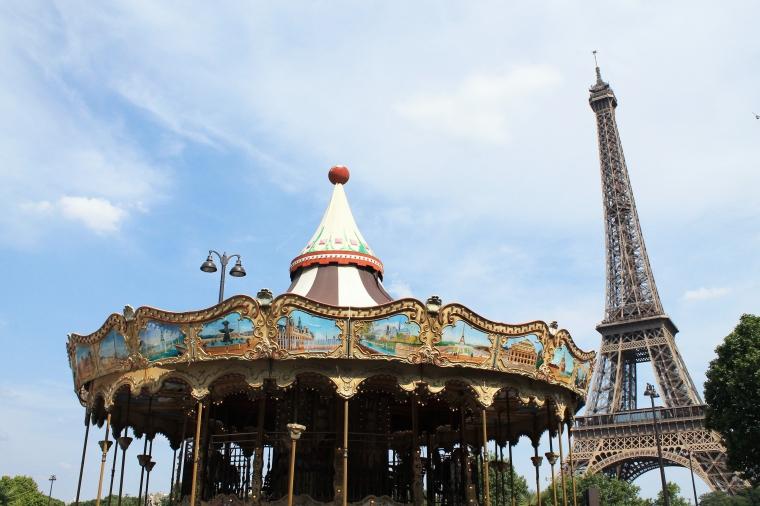 artsy Eiffel Towr shot